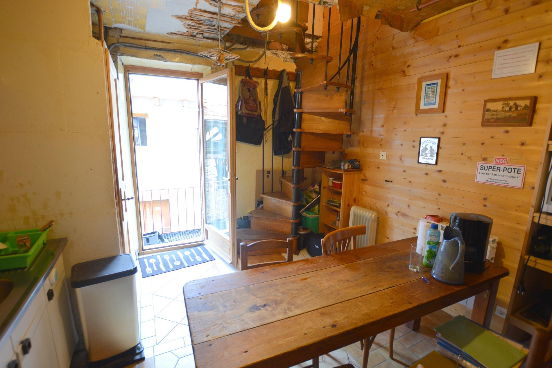 Renovation maison village perfect renovation in chamoson for Prix renovation complete maison